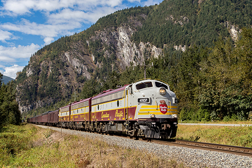 130)  CP 4107+1900+4106 Extra 708-1 East Vancouver-Calgary Hope1--.jpg